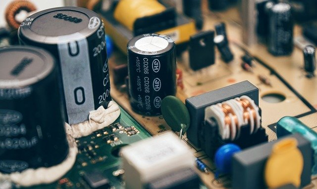 maintain motherboard capacitors